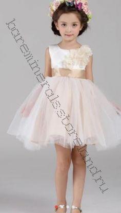 Платье праздничное с кремовым бантом рост 130 см